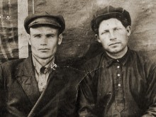 Марченко Степан Петрович. На фото слева.